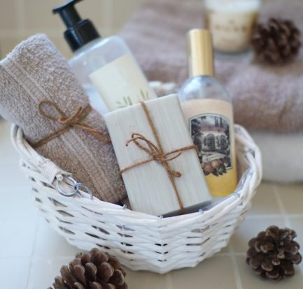 How to Make a Cheap Spa Basket for a Teen Girl Birthday Gift